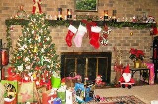 Tree stockings presents