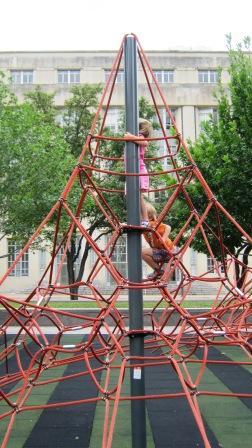 June 2012 052climbingthewebcomp